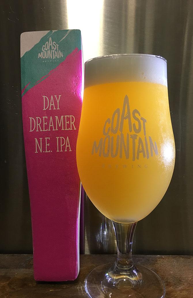 Coast Mountain Day Dreamer NE IPA